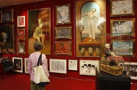 France buys part of Marcel Marceau's collection