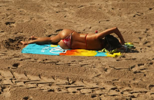 Topless sunbathing losing popularity (at least among younger women)